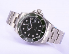 Black Dial, Green Bezel